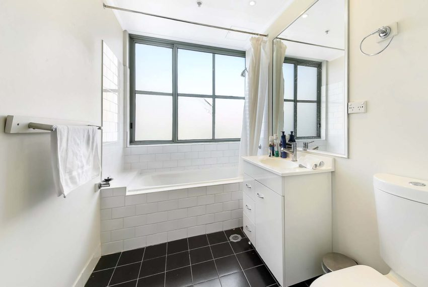 1201g_bathroom