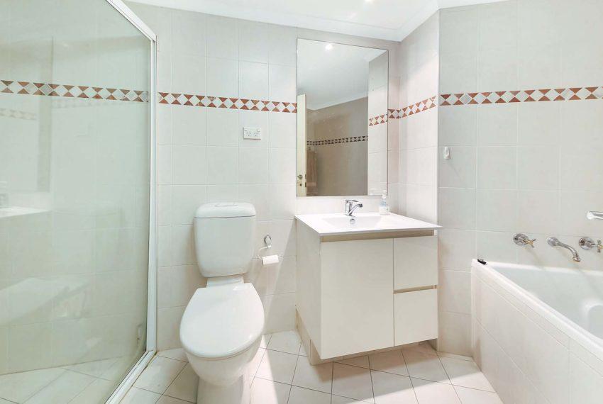 7_millenium_bathroom