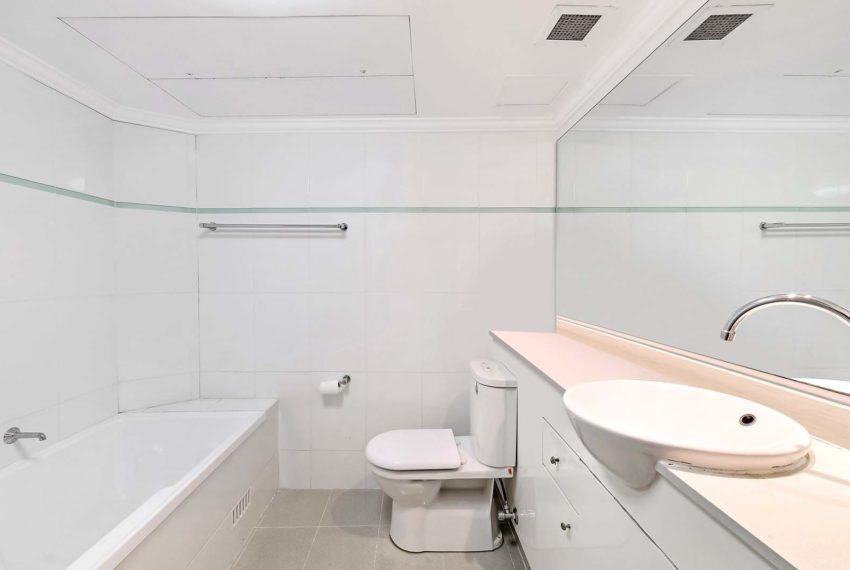 75t_bathroom
